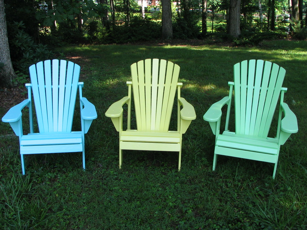 8 ways to incorporate adirondack chairs around your house blogs now rh blogsnow com