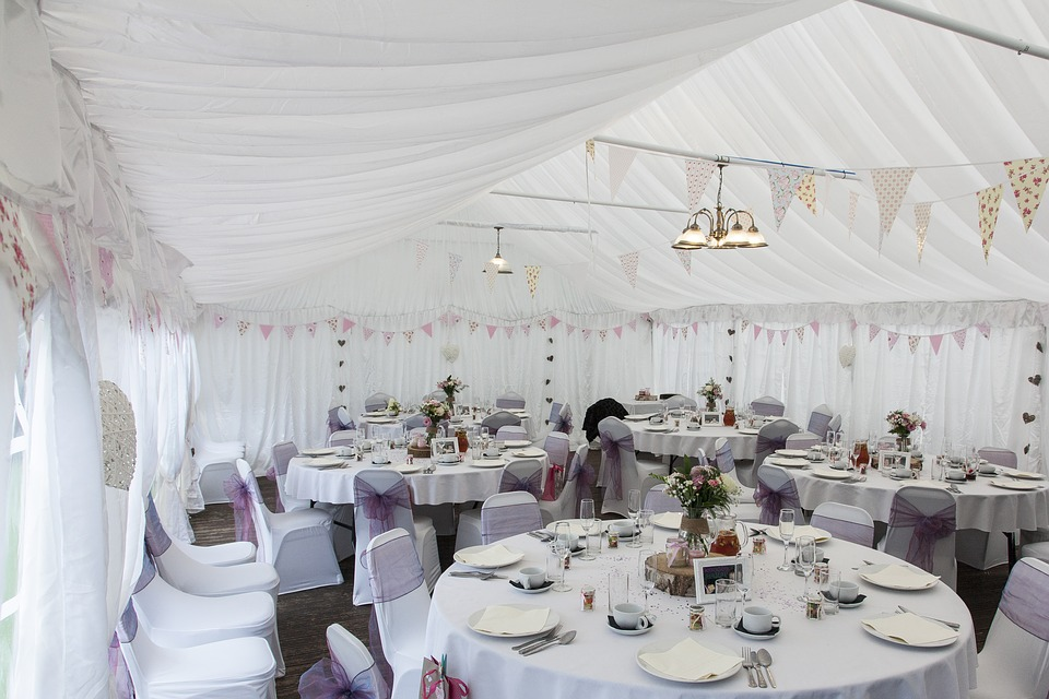8 Tent Decorating Ideas For Wedding Receptions Blogs Now